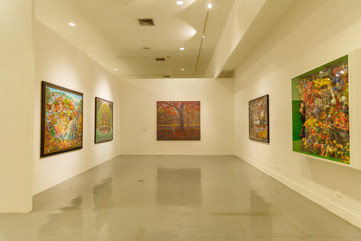 "The 9th White Elephant Art Award Exhibition ""Land of Smiles"""